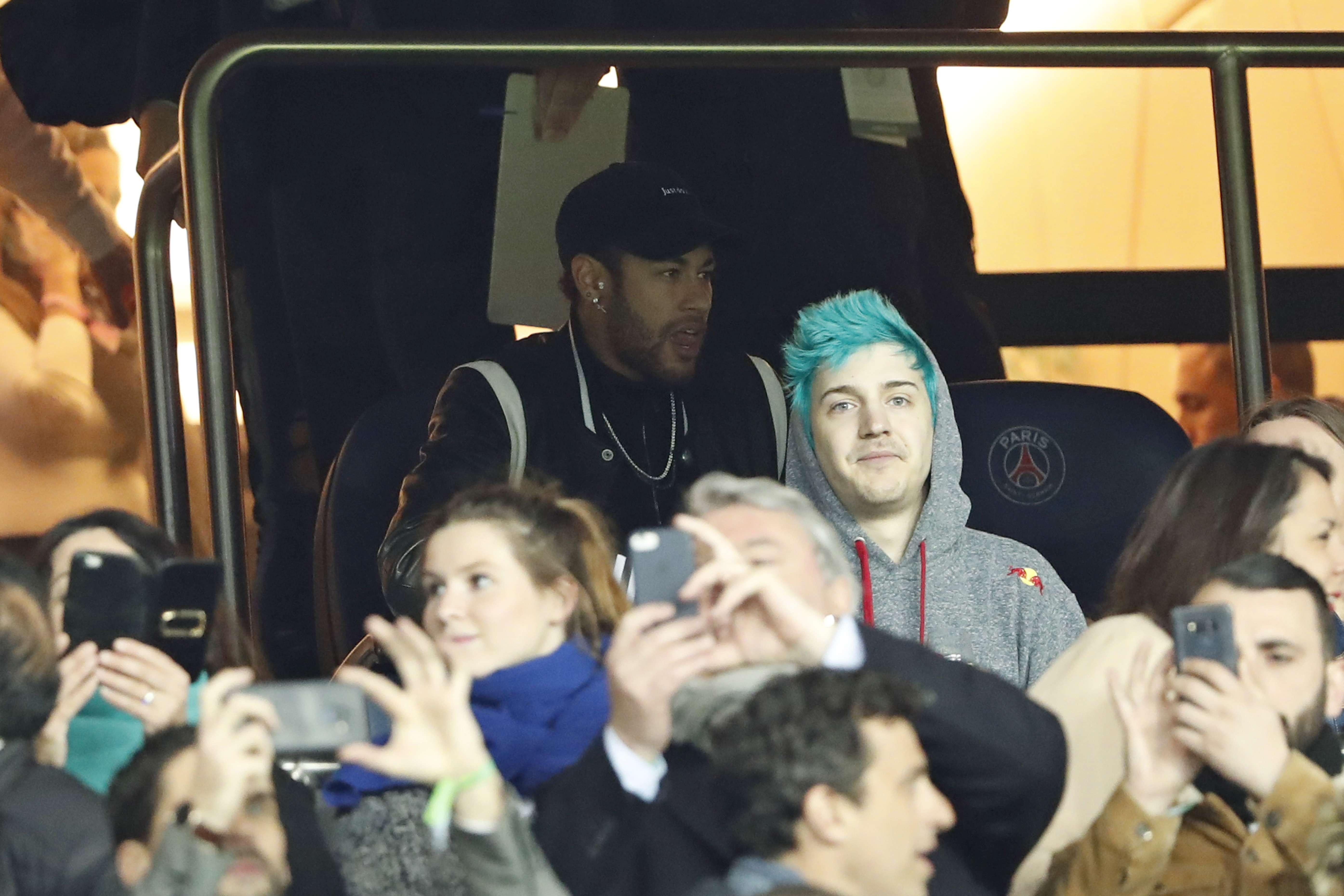 UEFA investigará insultos de Neymar a responsables del VAR
