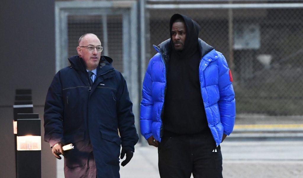 Emerge defensa legal de R Kelly ante cargos por abuso sexual