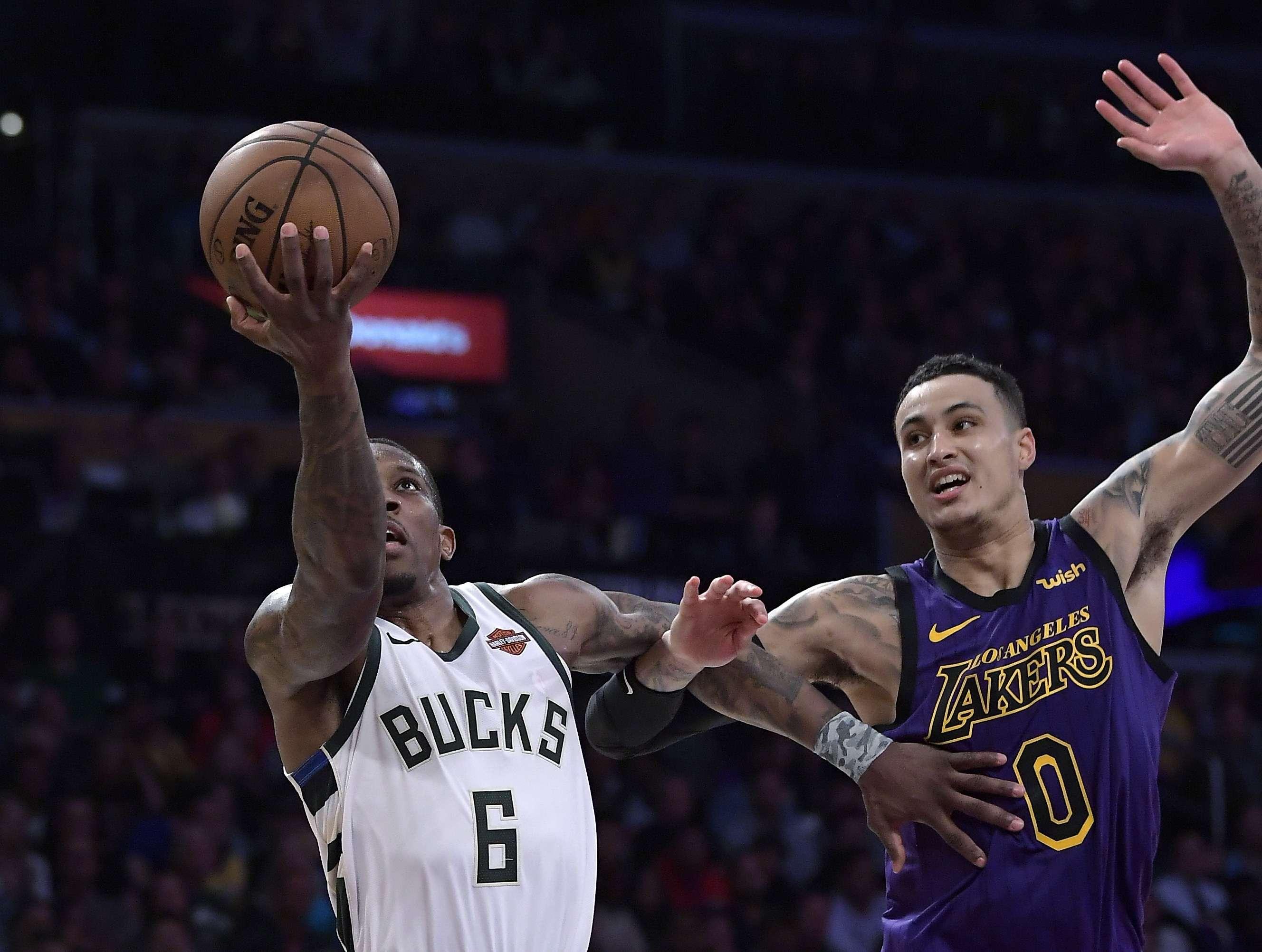 Bucks derrotan a Lakers 131-120, por octava vez consecutiva
