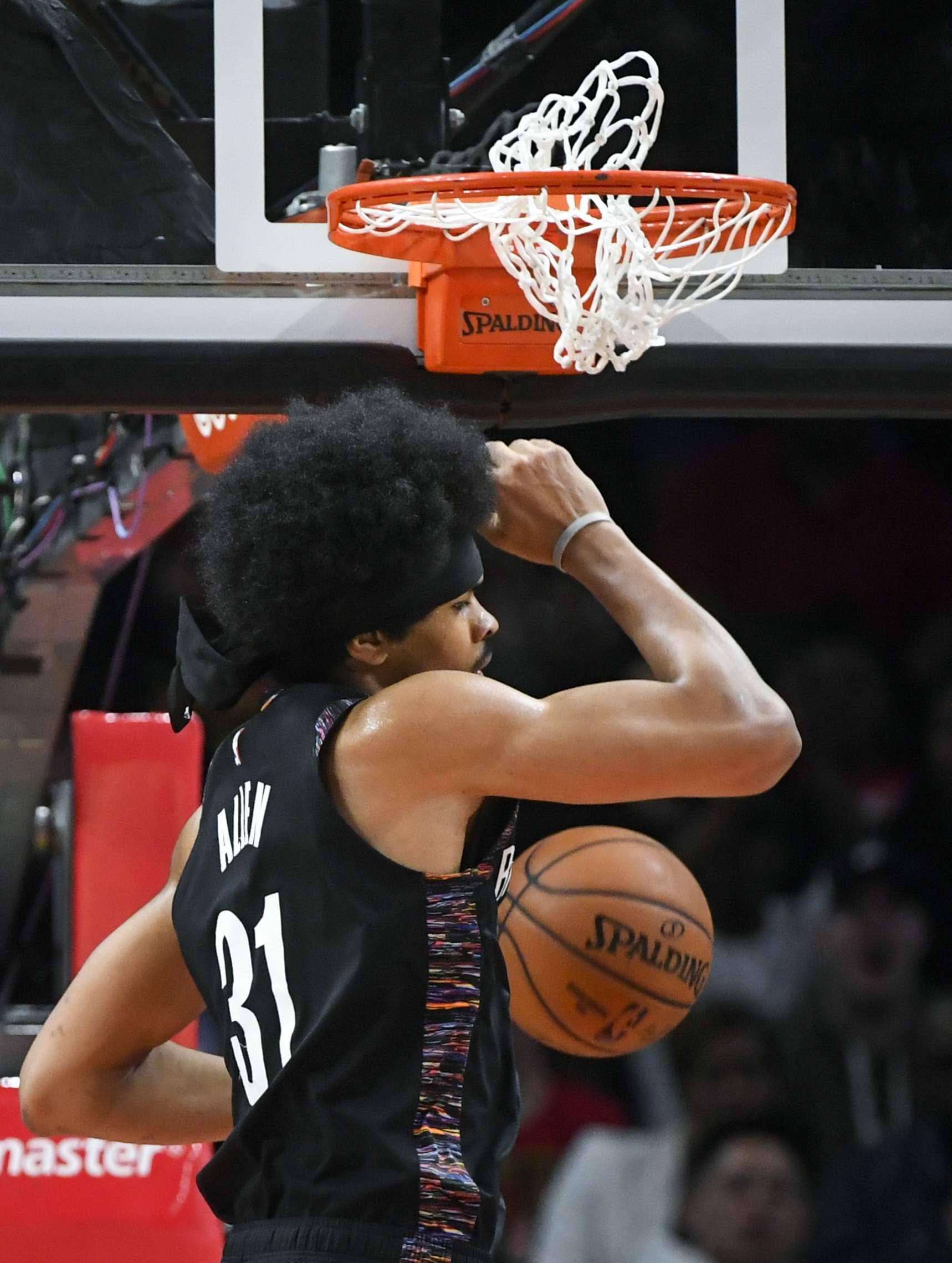 finest selection e5c95 8c725 AP Photo, Jaret Allen de los Nets de Brooklyn clava el balón ante los Hawks