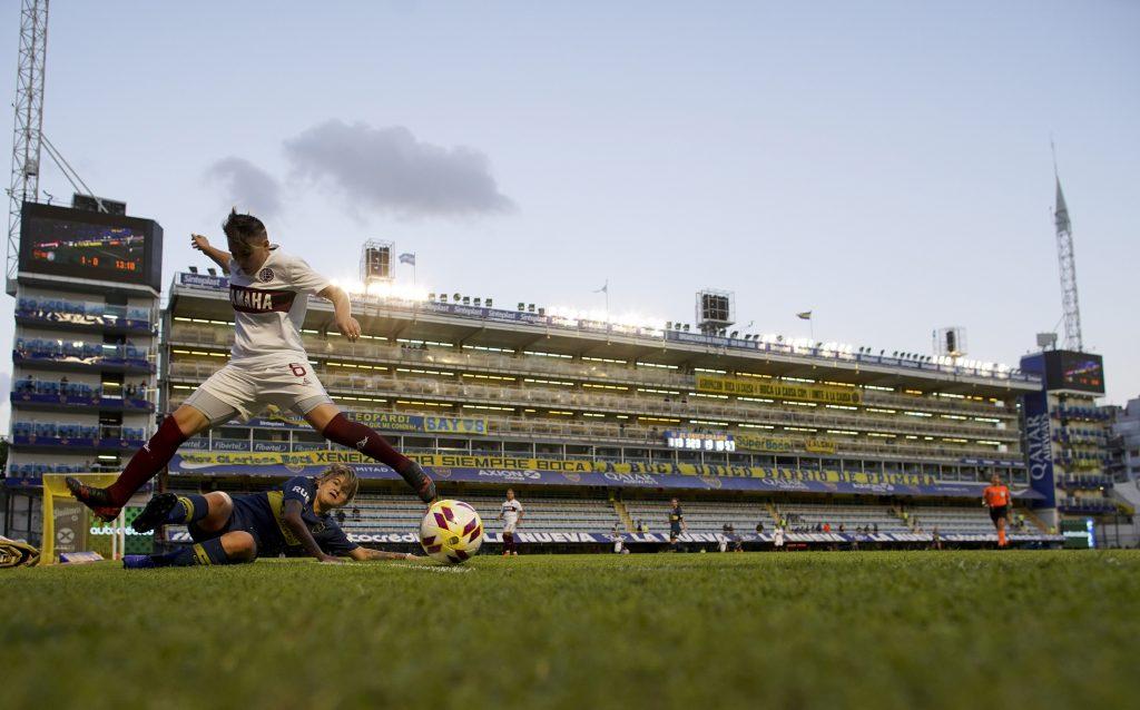 Argentina profesionaliza al fútbol femenino