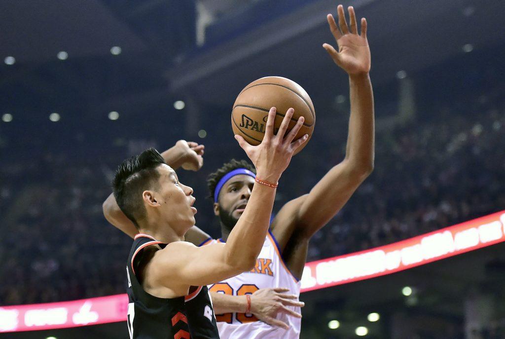Lin guía a Raptors en paliza ante Knicks; Lowry sufre lesión