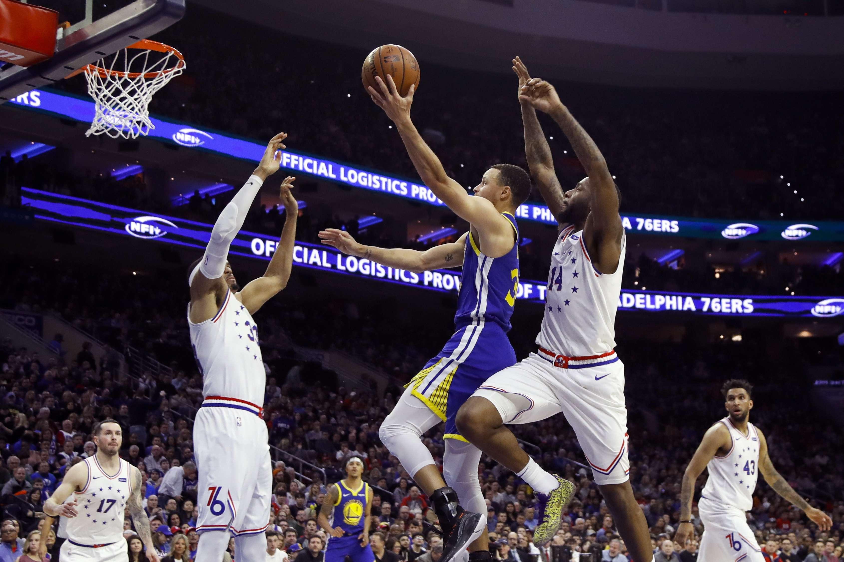 Curry anota 28 puntos y Warriors ganan 120-117 a 76ers 07aa1a14cea