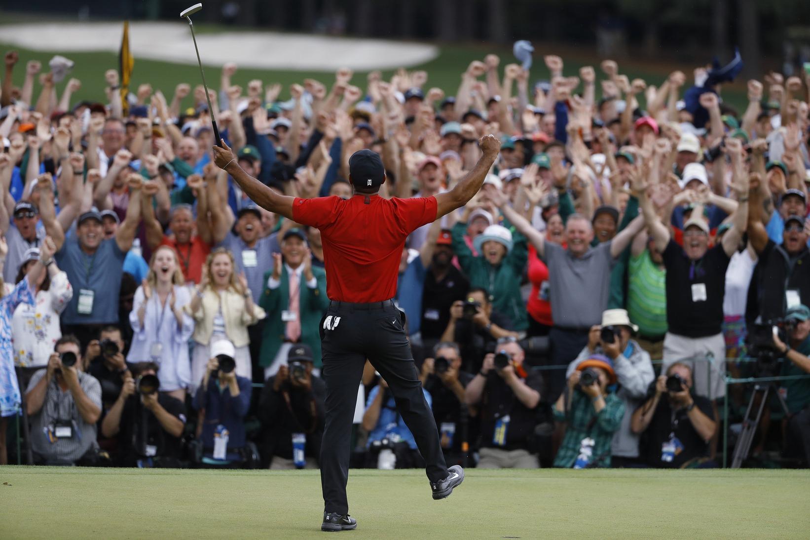 Tiger Woods reanuda la persecución a Jack Nicklaus