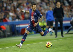 UEFA suspende por 3 partidos a Neymar tras insultos