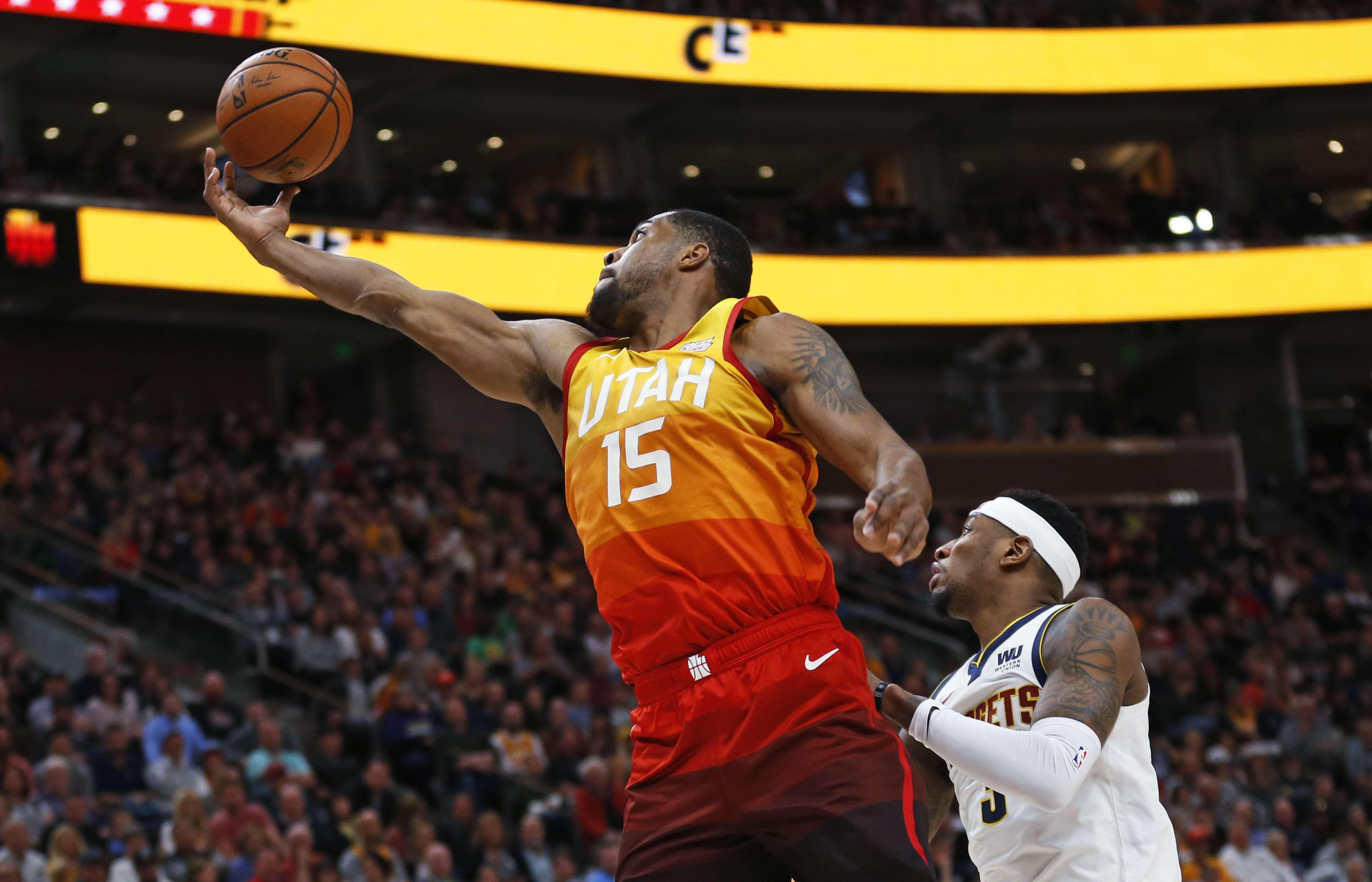 Mitchell brilla con 46 puntos; Jazz vence a Nuggets