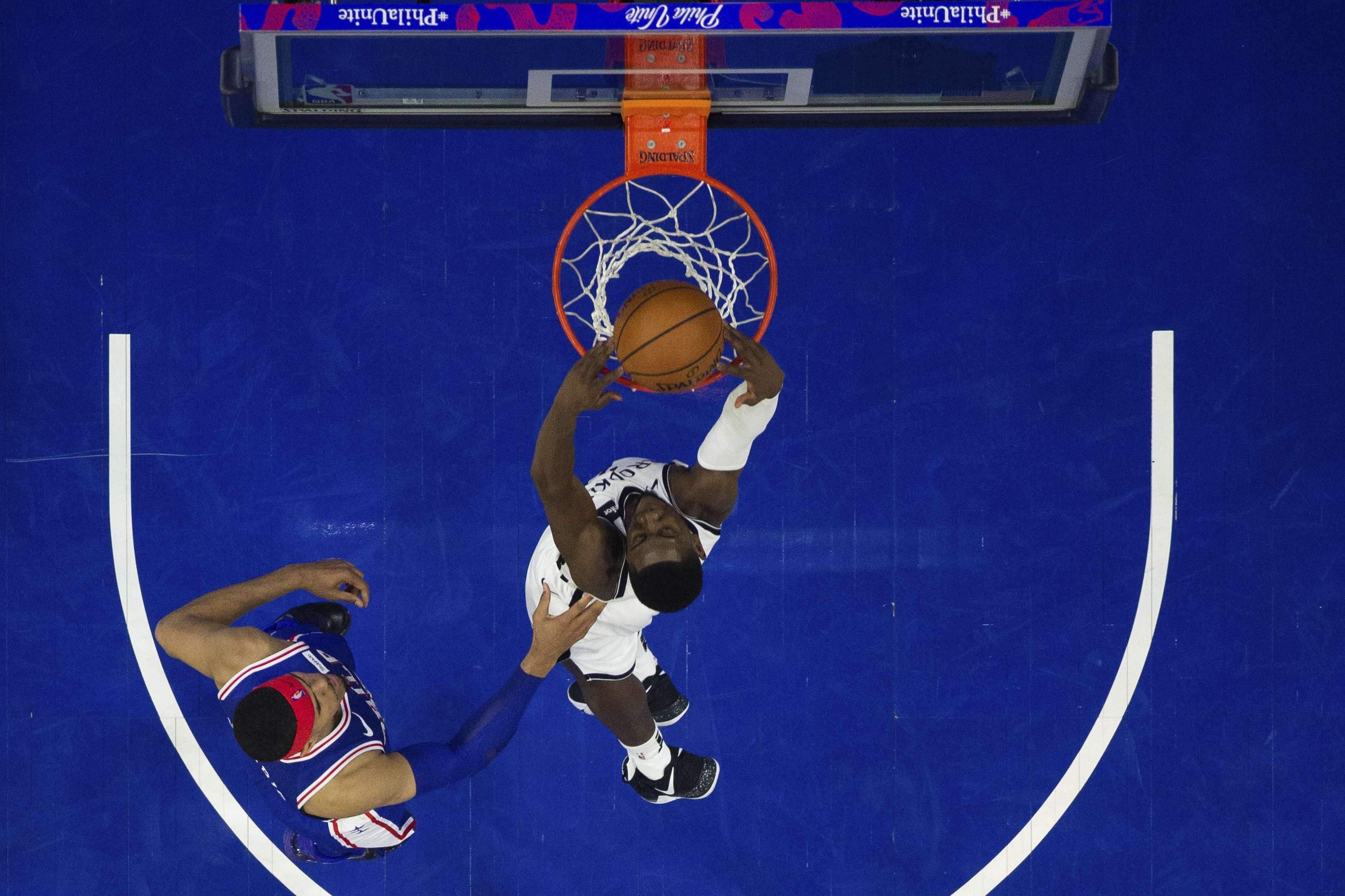 Russell y LeVert dan sorpresivo triunfo a Nets ante 76ers
