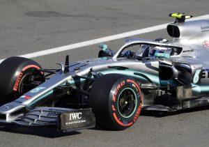 Bottas logra la pole en Azerbaiyán tras choque de Leclerc