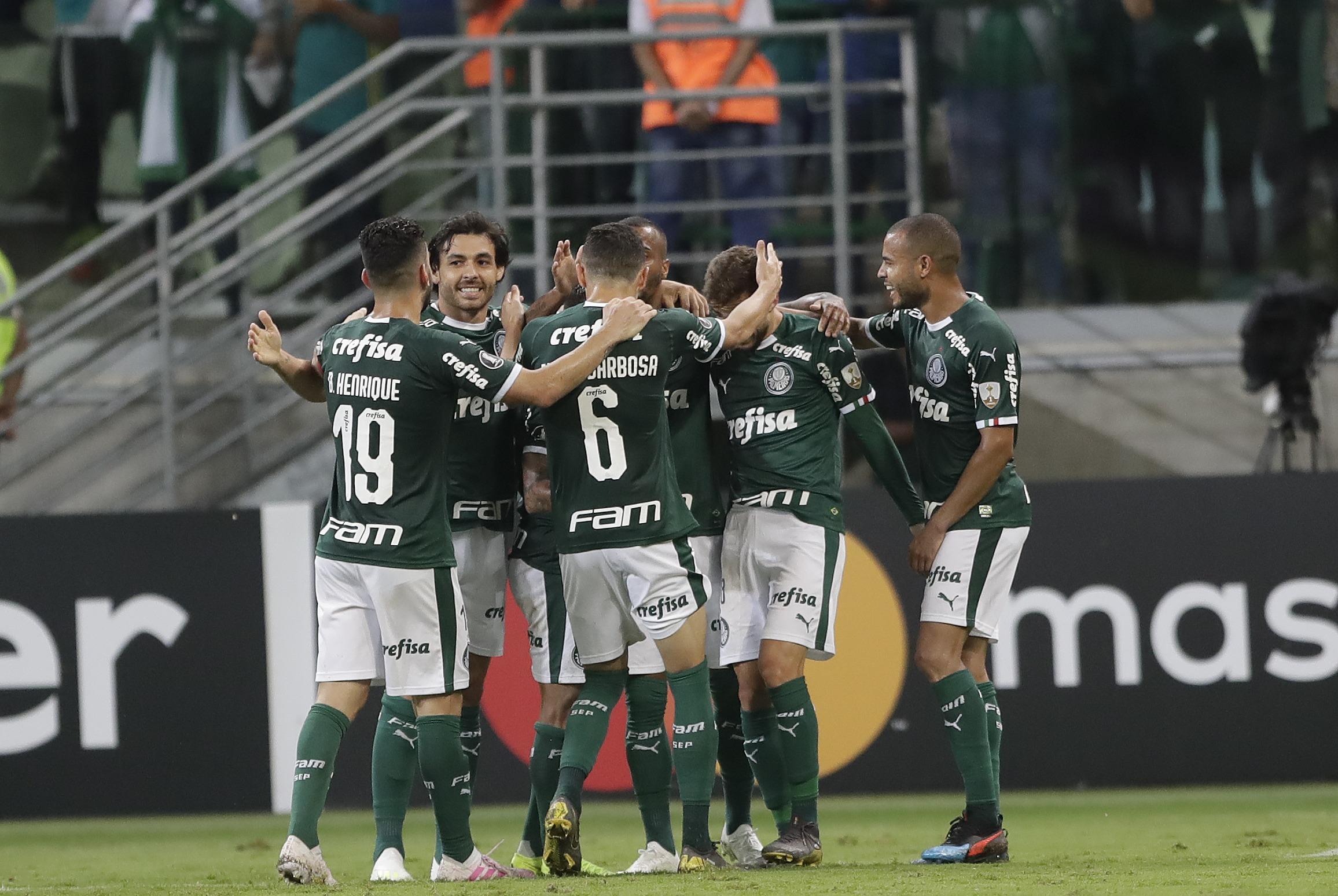 Hinchas de Palmeiras apedreron autobús del equipo