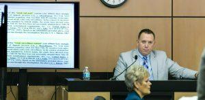 Abogados de Kraft piden a juez desestimar videos
