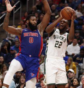 Bucks vencen a Pistons y están cerca de la barrida