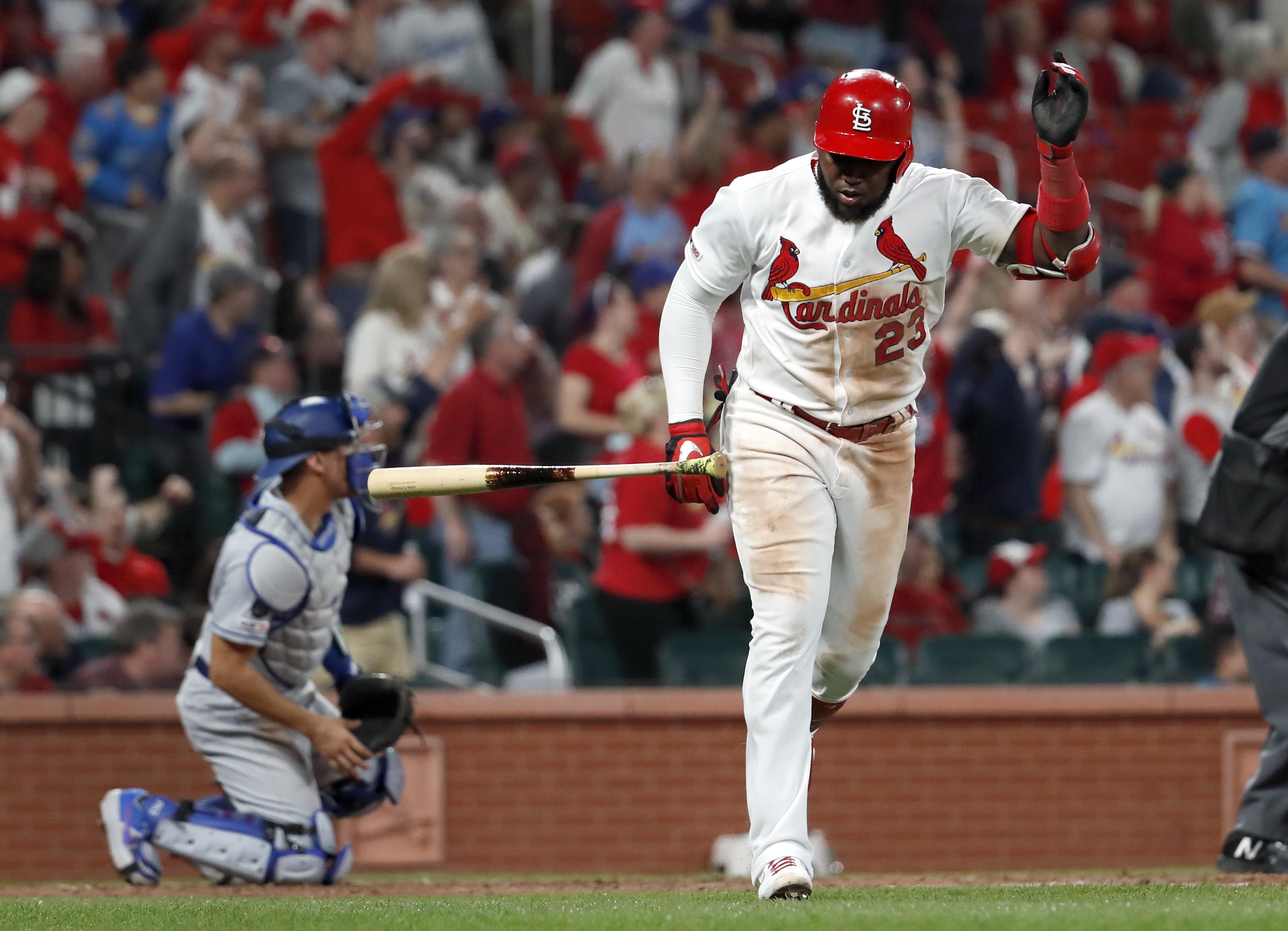 Molina y Ozuna pegan jonrón; Cardenales vencen a Dodgers