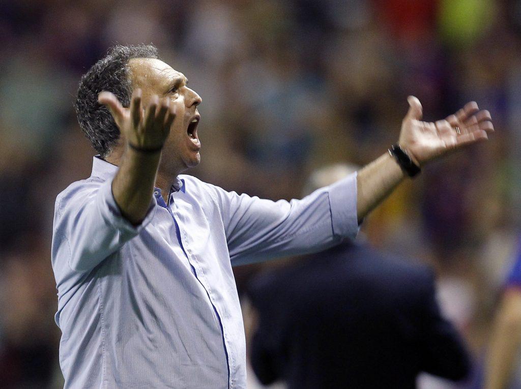 Sevilla: Caparrós no dirigirá al club la próxima temporada