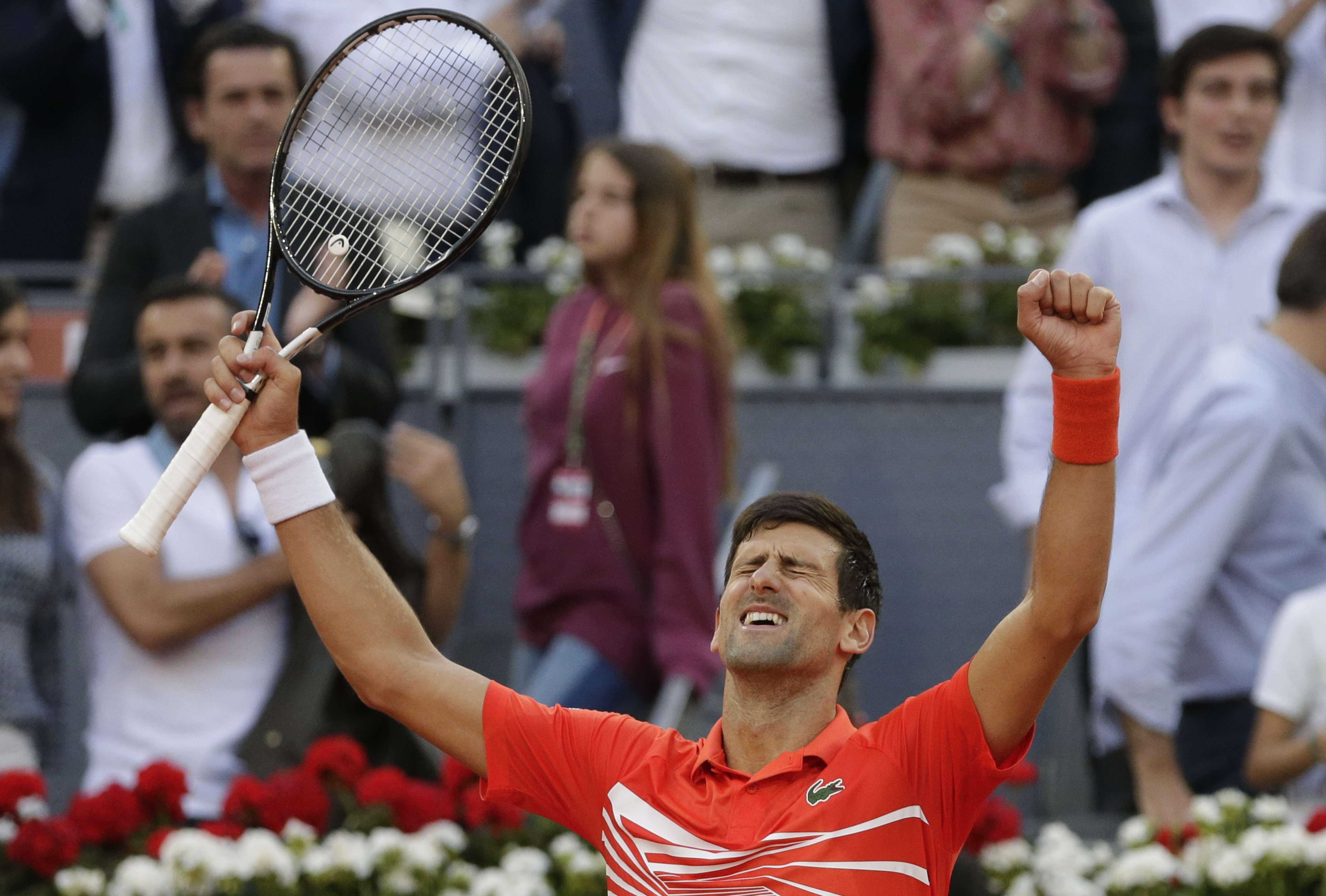 Djokovic derrota a Tsitsipas y gana su 3er título de Madrid