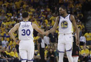 Durant aporta 35 y Warriors ganan 1ro de serie ante Rockets