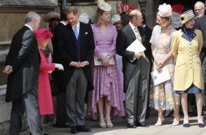 La reina Isabel II asiste a otra boda en Windsor