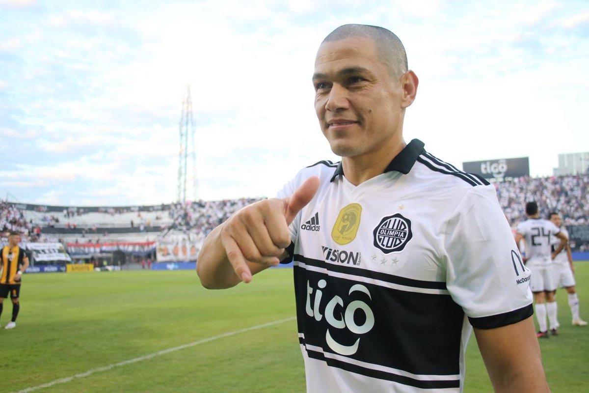 Dario Verón anuncia su retiro del futbol