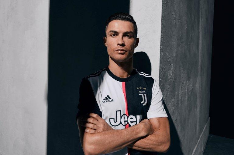 ¡Adiós a las rayas! Juventus presenta su nuevo uniforme