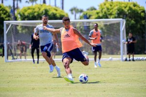 Giovani Dos Santos jugaría en Brasil