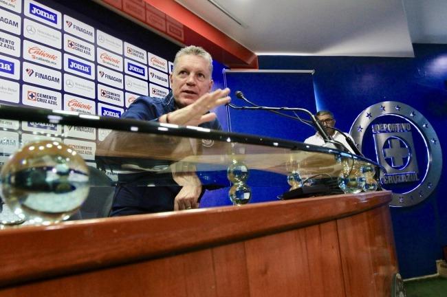 Peláez confirma a Caixinha, y promete título