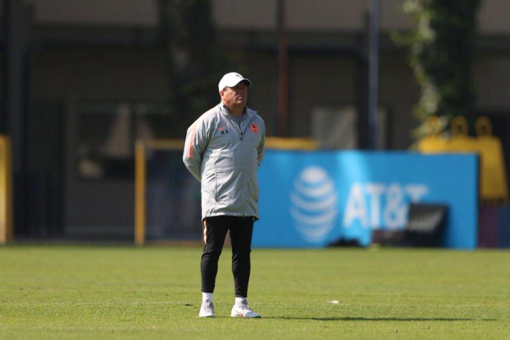 Miguel Herrera se iría del América para dirigir a una selección