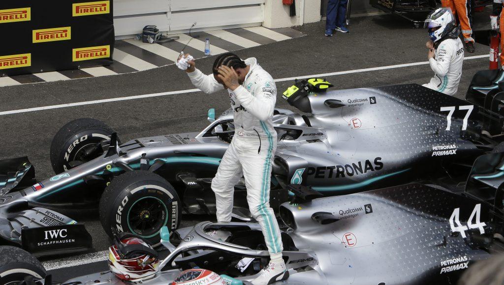 Lewis Hamilton gana sin dificultades el GP de Francia