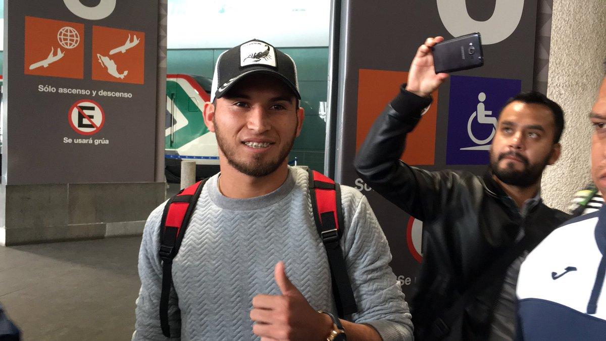 Cruz Azul abandonó a Juan Escobar en CDMX
