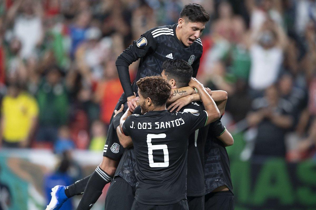 México se impone 3-1 a Canadá en la Copa Oro