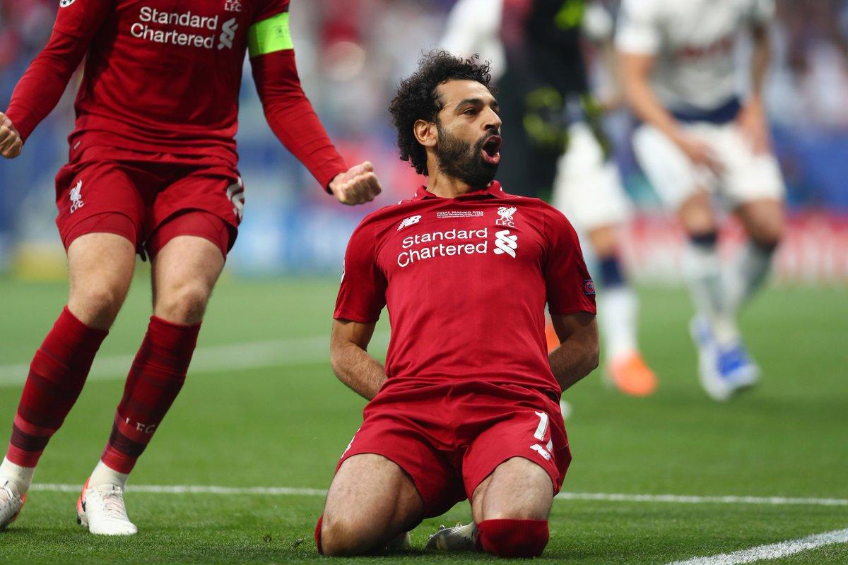 Con penal, Liverpool toma ventaja al medio tiempo ante el Tottenham