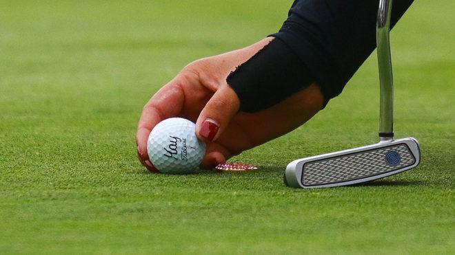 Golfista mexicano Díaz pierde cima de torneo en espectacular desplome