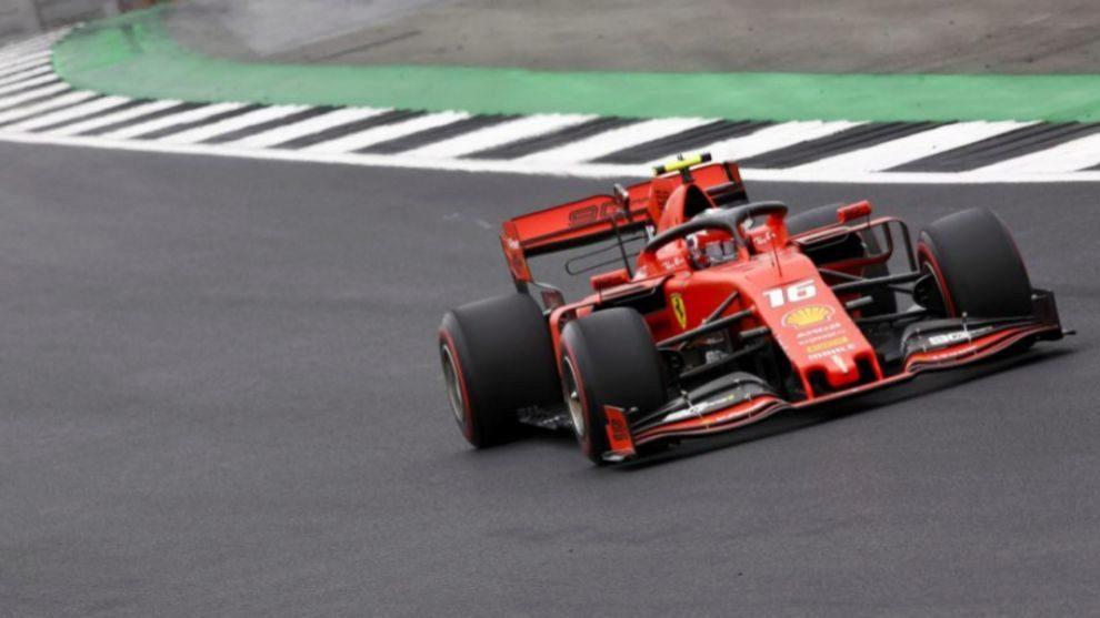Charles Leclerc pone a Ferrari en la pelea en la Fórmula 1