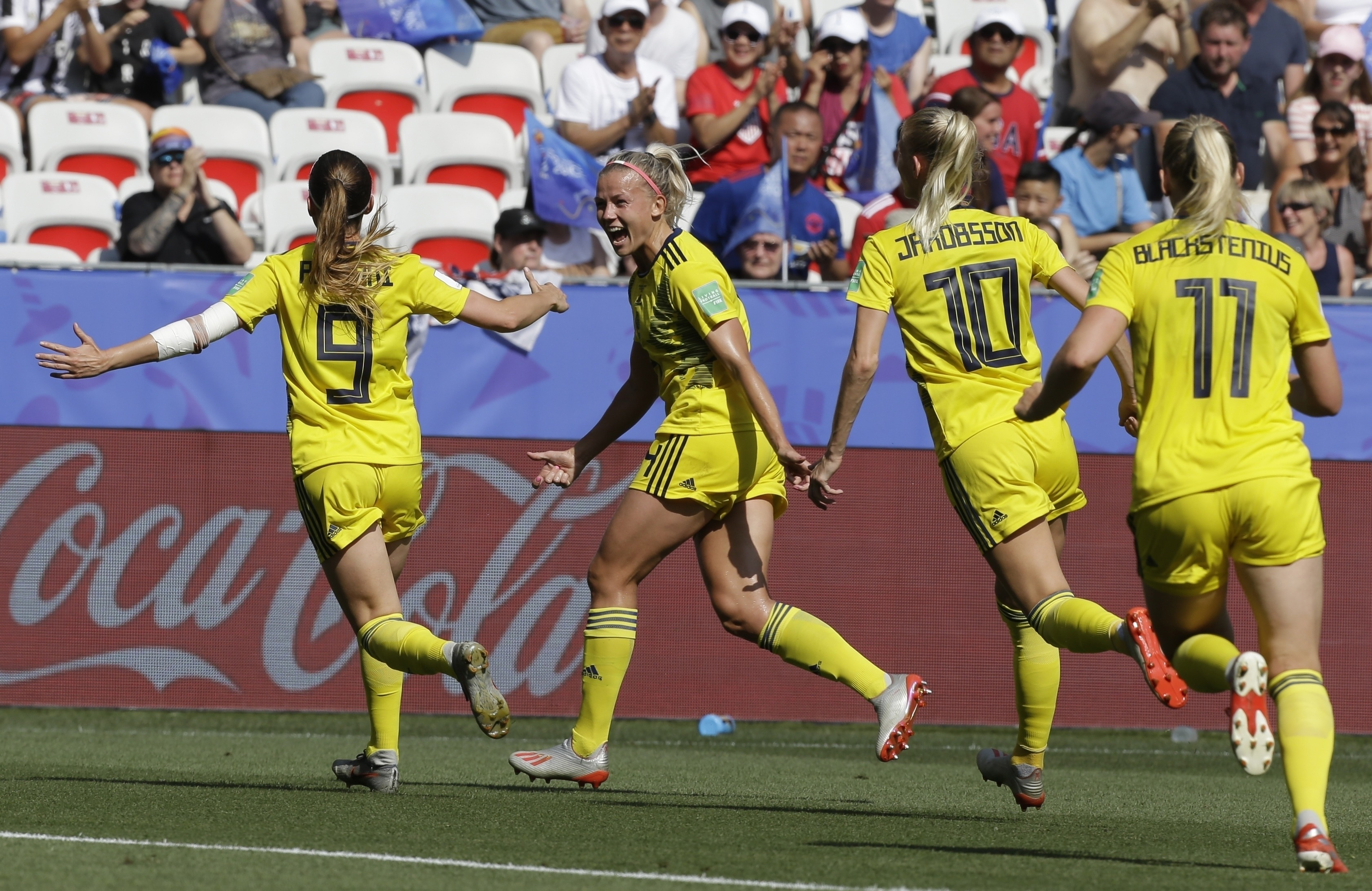 Suecia vence 2-1 a Inglaterra por el 3er puesto en Mundial