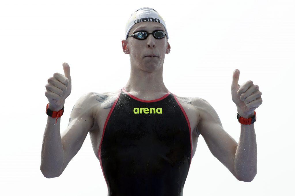En foto finish, Wellbrock gana 10k en aguas abiertas