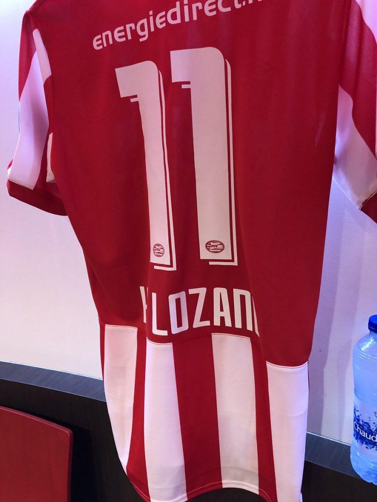 Hirving Lozano mantendrá el número de su dorsal la próxima temporada con el PSV