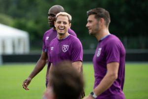 Así fue el golazo del Chicharito en el entrenamiento del West Ham