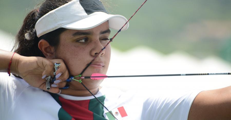 Arquera mexicana Andrea Becerra, en semifinal de Universiada Mundial