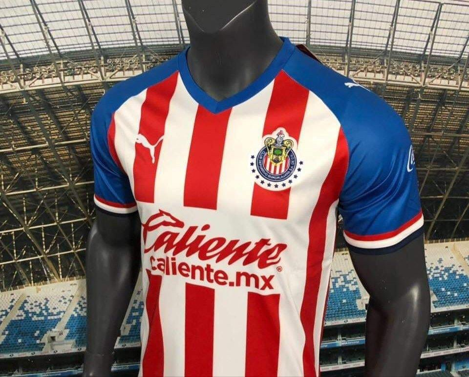 Tienda departamental filtra nuevo jersey de Chivas
