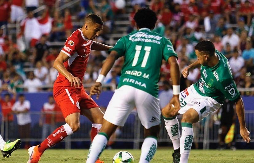 León se impone a Toluca en penales tras empatar 4-4 en partido amistoso