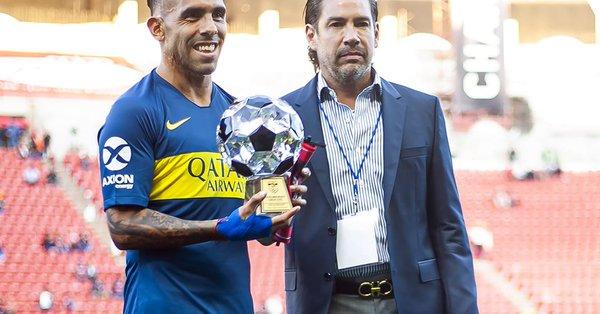 Xolos hace homenaje a Carlos Tévez en partido amistoso