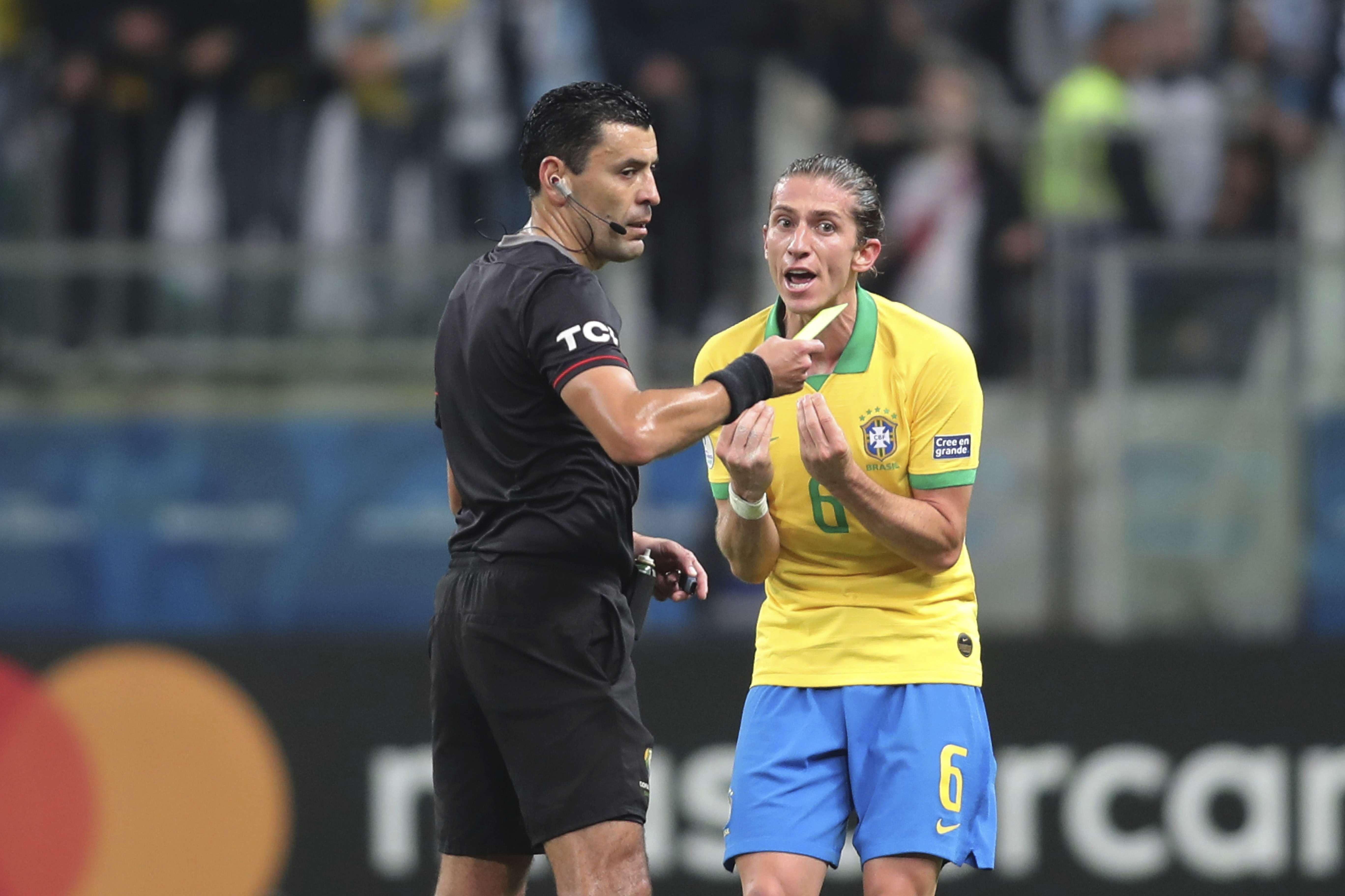 Chileno Tobar pitará la final de la Copa América