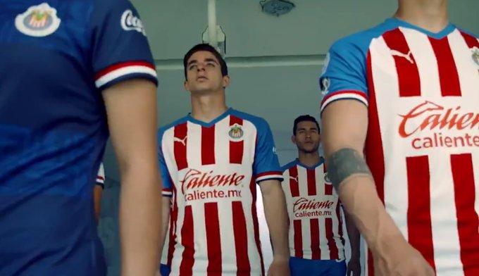 Así presentó Chivas su uniforme para el Apertura 2019