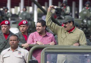 Maduro da giro y elogia miniserie de Netflix sobre Bolívar