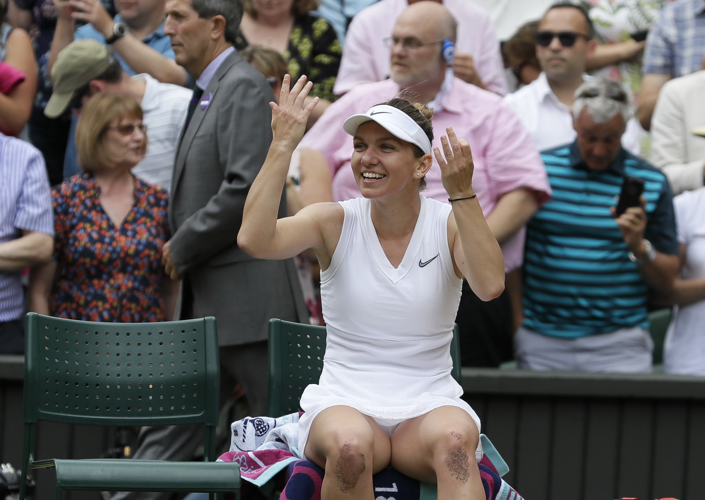 Halep vence a Serena Williams en final de Wimbledon