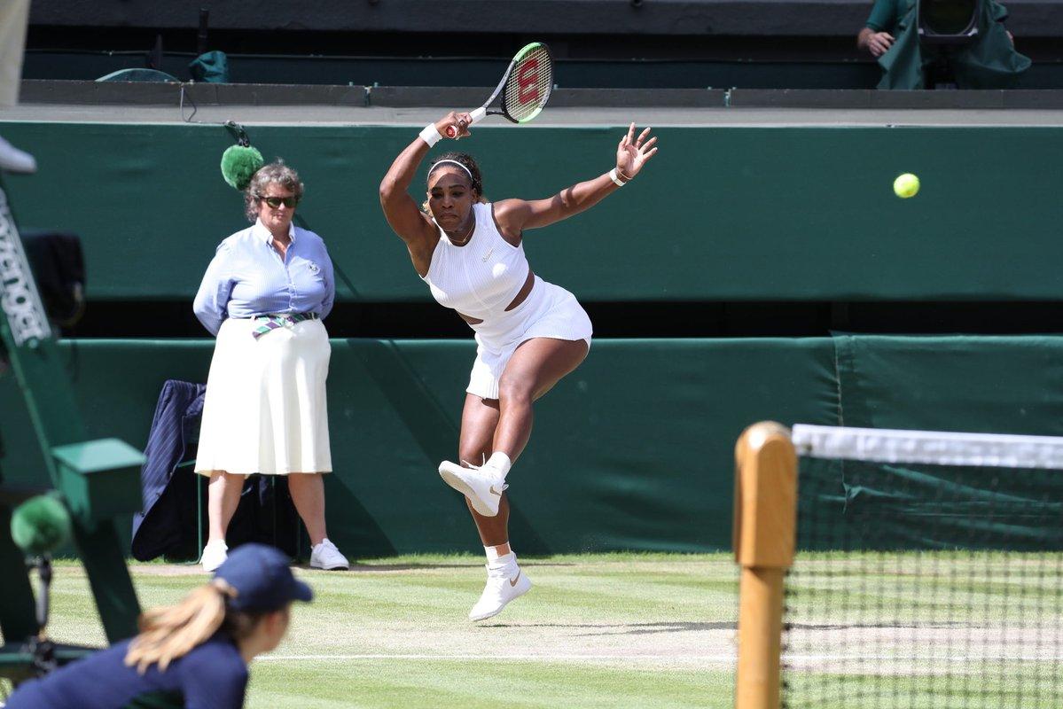 Invitado especial en las semifinales femeninas de Wimbledon