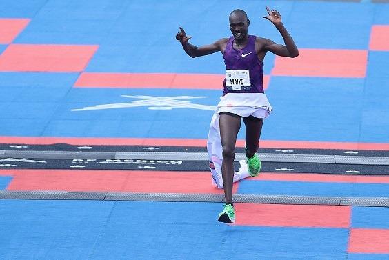 Keniata Duncan Maiyo se corona en el Maratón de la Ciudad de México