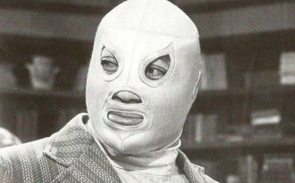 Guillermo del Toro revela foto de El Santo sin máscara