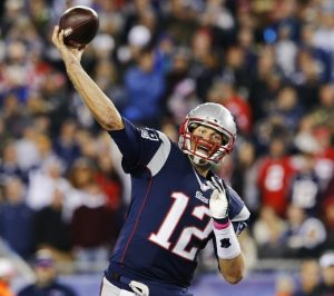 Tom Brady, el patriota mayor quiere extender su carrera