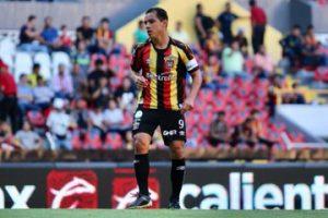 Así fue el debut de Omar Bravo con los Leones Negros en la Copa MX