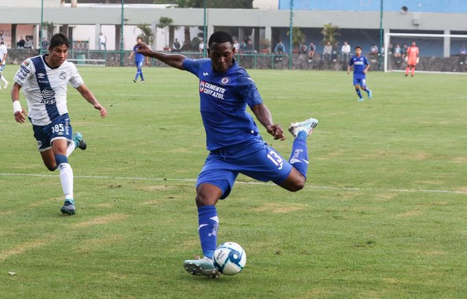Brayan Angulo pide minutos a Caixinha con goles en el Sub 20