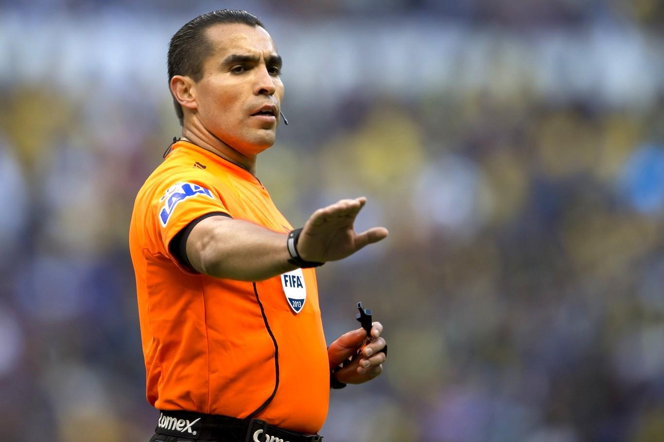 Exarbitro mexicano sería director técnico en la tercera división de España